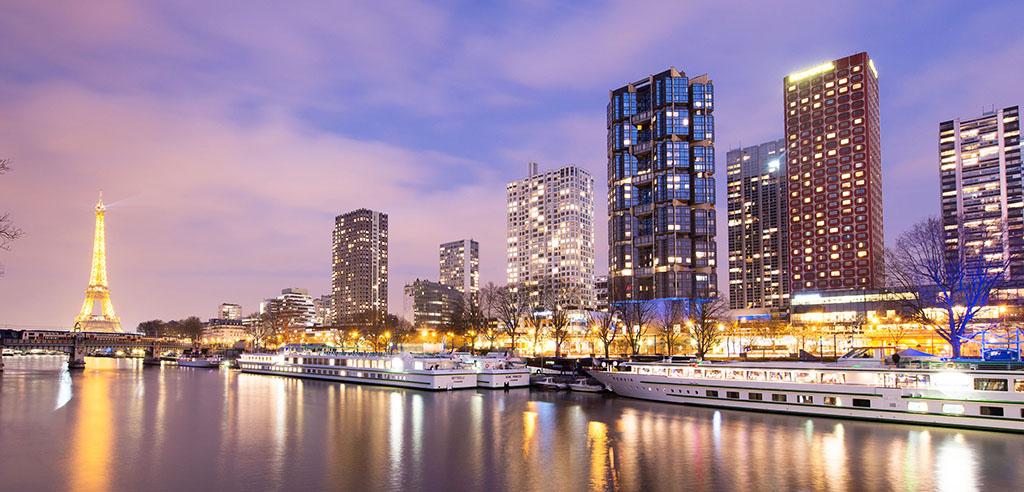La compañía ofrece un crucero por París, los castillos del Loira y Normandía.