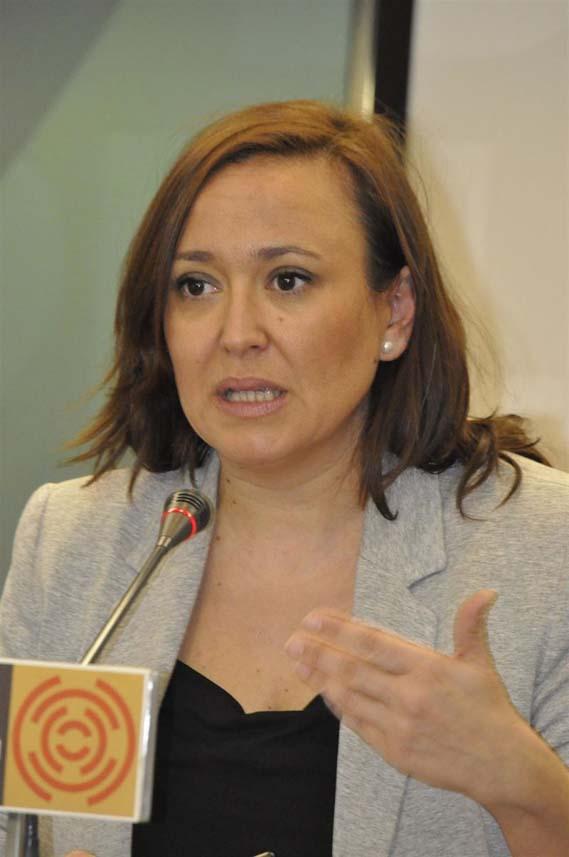 En la actualidad, además del nuevo cargo, Mayte Pérez se encarga del departamento de Educación, Cultura y Deporte, y del Patronato de la Fundación Dinópolis.